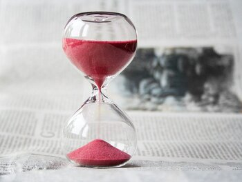 SNSをチェックする時間を決めたら、タイマーを使うと気持ちを切り替えやすいですよ。
