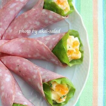 ポテトサラダをビアハムとサニーレタス、スライス大根で包んだミニブーケ風サラダです。ポテサラにゆで卵をプラスすることで彩り鮮やかに仕上がります。