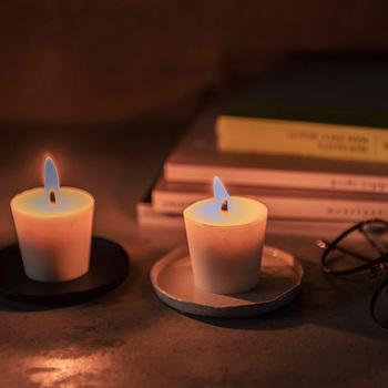 眠る前のひととき、和ろうそくの優しい灯りに癒される時間をつくってみましょう。お気に入りの本を読みながら、日記を書きながら、ヒーリング音楽を聴きながら・・・。1日の締めくくりが心穏やに迎えられます。