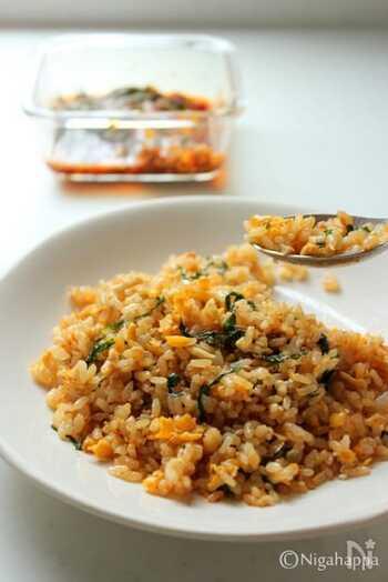 大葉キムチは、玉子チャーハンに加えるのがオススメです!ピリッとした辛さがアクセントになり、食欲が刺激されます。
