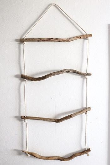 流木は一つ一つ形が違うので、均等に選ぶのが難しいところですが不揃いなところが可愛いですよね♪おうちのどの場所に飾るのか決めてから流木を選ぶことでサイズ感も失敗しにくいです。玄関や洗面所などにディスプレイするのもおしゃれですね!