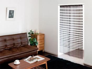 ドアのない場所にのれんをつけることで、目隠しや冷房効率の問題をカバー。室内からも「こもり感」が感じられて居心地が良くなります。