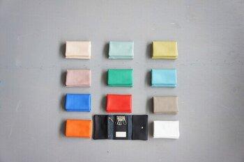 「MONTH」という商品名どおり、1~12月をイメージしたカラーバリエーション。お好みの色を選んでもいいですし、自分の誕生月を選んでもいいですね。