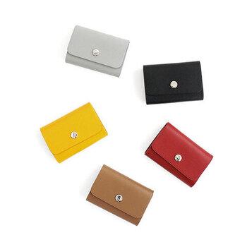 ソフトな風合いに透明感のある発色の良さが特徴の、イタリア製の柔らかいナッパレザーを使用。ベーシックな色からビビッドな色まで、豊富なカラーバリエーションからお好みのものを選んでください。