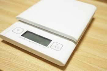 ラックの上にトースターや他の家電を置く場合、耐荷重も忘れずに確認しましょう。5kgや10kg、頑丈なものだと30kgまで耐えられるラックも!
