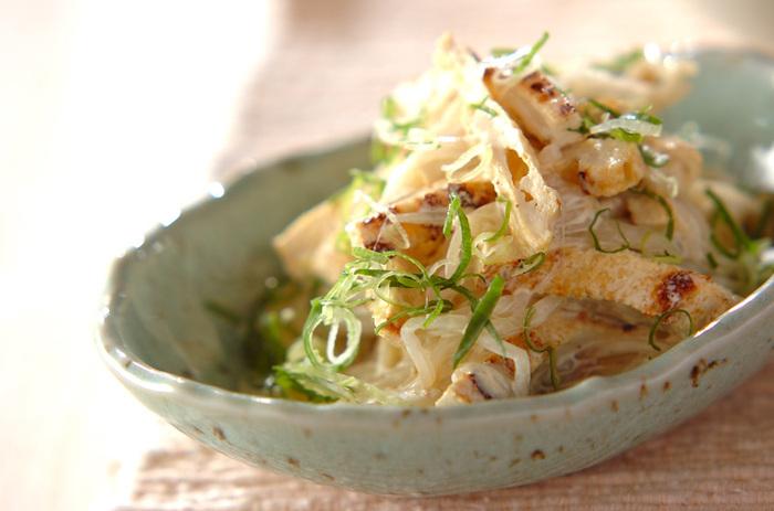 柚子胡椒が味の決め手!爽やかな香りとピリ辛がクセになります。マヨネーズとの相性は抜群◎淡泊なモヤシをもりもり食べられるサラダです。