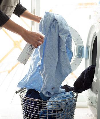 洗濯物を干してすぐ、衣類が濡れている状態で表面が濡れる程度スプレーすると、生乾き臭対策になります。