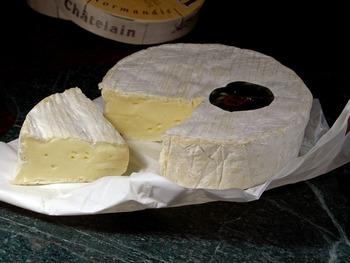 そのまま食べるだけじゃもったいない!「カマンベールチーズ」の奥深いレシピ