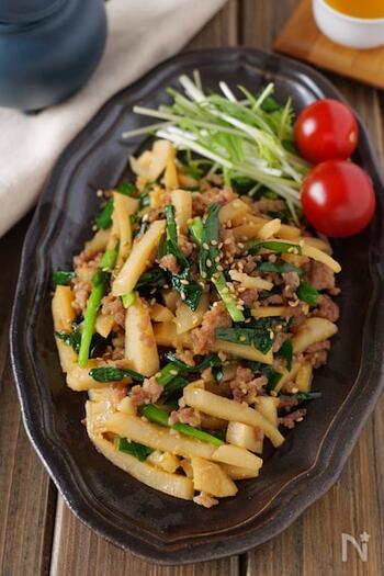 オイスターソース×味噌で旨味たっぷり。ニラの香りと筍の食感が癖になる一皿です。ご飯にはもちろん、お弁当にも活躍してくれそうですね。