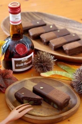 グランマルニエの香りがフワッと楽しめる栗のガナッシュケーキです。トリュフのようなトロッとした舌触りが大人のお茶菓子にぴったり。金箔やココアパウダーで飾れば、より優雅な上品さを演出できちゃいます。