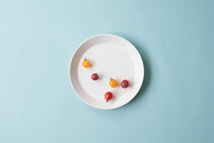 フィンランド生まれのテーブルウエアのブランド「iittala(イッタラ)」の「Teema(ティーマ)」シリーズ。機能性を追求し、使い勝手よく飽きのこないデザインが特徴です。