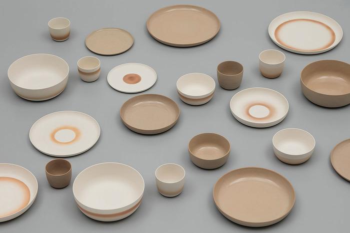 有田焼が誕生してなんと400年という節目にあたる2016年にスタートした陶磁器ブランド「2016/」。世界的に活躍するデザイナーを集めて、有田焼の伝統を生かした新しいものづくりを目指したプロジェクト。