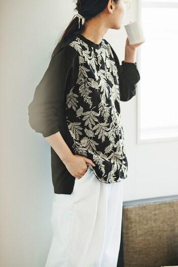 着こなしを華やかに。大人の女性に似合う【刺繍&レース】アイテム