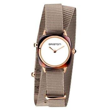 カルティエをはじめとする高級時計店でキャリアを積んだブリス・ジュネにより設立された「BRISTON」。その「クラブマスターレディ」のシリーズは、カジュアルながらも二重の細いベルトで女性らしく付けられます。