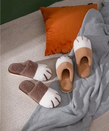 猫足デザインがとってもキュートなルームシューズです。見た目だけでなく暖かさも抜群。カラーは全6色。おうちの中だからこそ、遊び心たっぷりなデザインを選んでみるのも◎