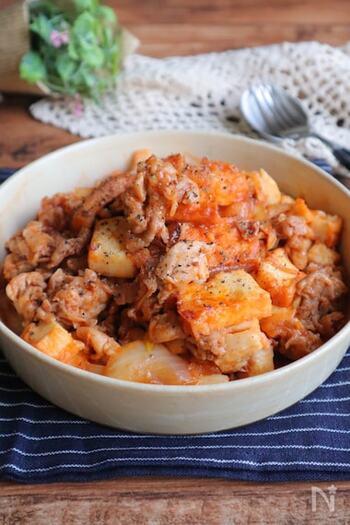 豚こま肉と厚揚げ豆腐の節約食材をボリュームたっぷりの炒め物に。甘辛ケチャップ味で子どもも大好きな味です!