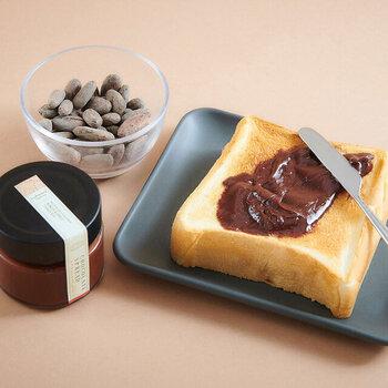サンフランシスコ生まれのBean to Barチョコレート専門店「Dandelion Chocolate(ダンデライオンチョコレート)」が作るチョコレートスプレッドは、キャラメルにタンザニア産カカオ豆のチョコレートを合わせています。本格的な味は、休日などゆっくり食事をしたい日におすすめです。