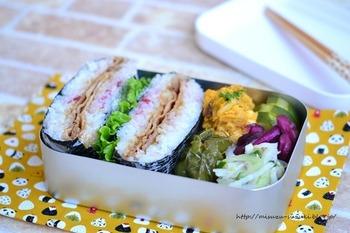 お弁当をイメチェン♪「おにぎらず」基本の作り方+アレンジレシピ集