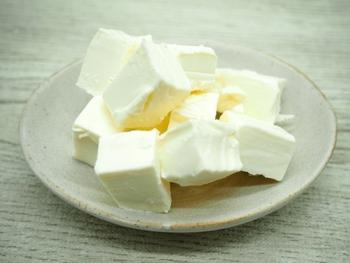 スモークサーモンの食べ方&活用レシピ!クリームチーズとの相性ばっちり