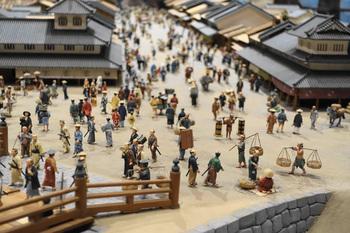 さらにこちらの作品にはカラーイラストが127点収録されていて、より江戸の町を想像できるようになっています。杉浦さんと一緒に、のんびり江戸散歩へ出かけてみませんか?