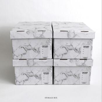 キャンドゥの大理石柄収納ボックス。シンプルかつ高見えする大理石模様で、重ねておいておくだけでもとってもおしゃれ♪