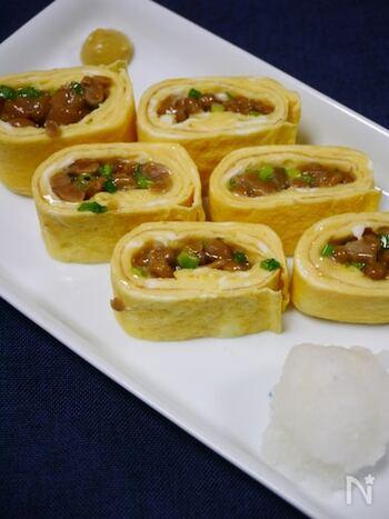 いつものだし巻きに納豆をプラスした納豆卵焼き。ポイントはネギをみじん切りにしてたっぷりと納豆と混ぜること。シンプルな「和」の味をお楽しみください。