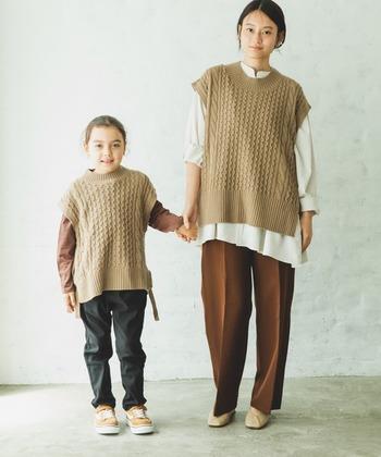気になる、ママ&子供のお揃いコーデはありましたか?  同じデザインの洋服を身に纏えば、心の距離もぐっと近くなりそうですよね。親子のリンクコーデで、家族のおでかけ時間はぐっと豊かな時間に変わります。お気に入りの洋服を見つけて、お揃いコーデを楽しんでみてくださいね♪