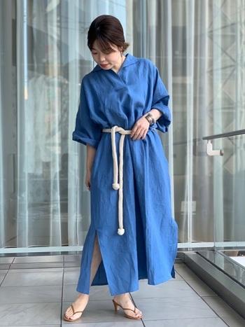 素敵な青いスカートを身に着けて、夏の強い日差しに負けずに、爽やかに、軽やかに過ごしていきたいものですね。