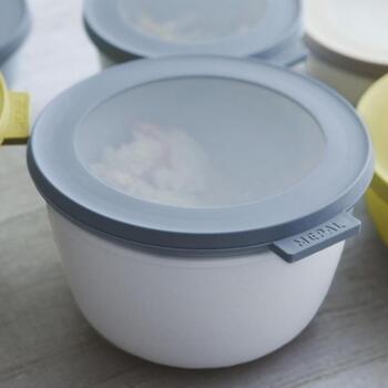 デンマーク生まれの、老舗キッチン・ハウスウェアブランド「Rosti Mepal(ロスティ メパル)」。ころんとした丸いフォルムがキュートな保存容器は、液漏れしにくい作りが最大の特徴になっています。