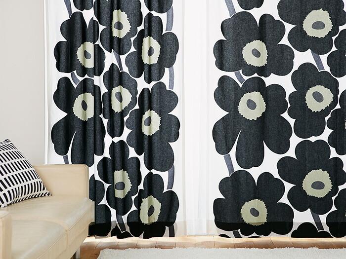 大きなケシの花がたっぷりと描かれた「Unikko(ウニッコ)」は、「marimekko(マリメッコ)」の中でも特に人気のテキスタイル。北欧モチーフといったら、真っ先に頭に思い浮かぶテキスタイルかもしれません。  ひとつひとつのお花が大きいので、掃き出し窓など床から天井まであるような窓にぴったり。赤、黒といったはっきりとしたカラー展開で、取り入れるだけでお部屋の印象が一気に北欧のおしゃれな感じになります。仕立ては、1.5倍ひだよりもフラットの方がドレープが緩やかになり、大柄な模様の全体像がはっきり見えますよ。