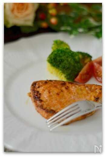 カジキマグロなど切り身魚も、ケイジャンスパイスをまぶしてソテーすれば、素敵なメインディッシュになります。どんな素材もスパイスの豊かな風味でうまみが引き出され、おいしさアップ。いつもとは違う味も新鮮ですね。