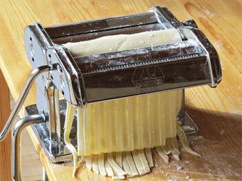 本格もちもち食感!自家製「生パスタ」の作り方&おすすめソースレシピ