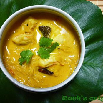 南インドで定番の魚を使ったフィッシュカレー。スパイスをたっぷり使って本格的な味わいに。調理は難しくないので、おうちで作って旅行気分を味わってみてはいかがでしょうか?