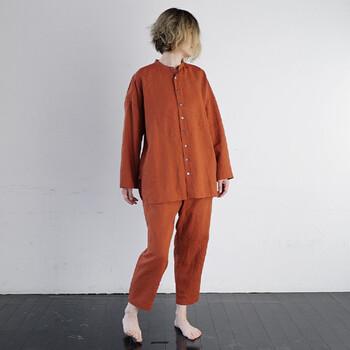 寝心地の良い素材選びは大事。パジャマに着替えた時に、体がホッと落ち着くような、肌ざわりが良く、柔らかい素材を選ぶと良いですね。