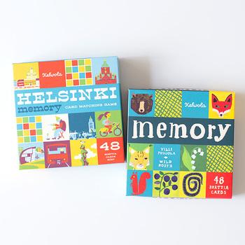 こちらはフィンランドの「メモリーゲーム」。裏返しのカードをめくって絵柄があったらカードをもらうという神経衰弱と同じルール。絵合わせなので小さい子供も楽しめ、頭の体操にも◎
