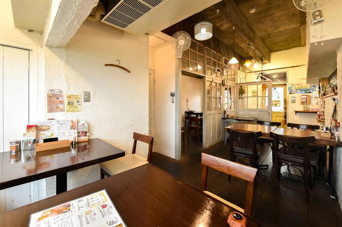 門司港を訪れたらぜひ食べておきたいのが、名物である「焼きカレー」。なかでも「プリンセスピピ」は、門司港焼きカレーフェアで1位に選ばれた名店で、タイ王宮料理をベースに作られた焼きカレーが大人気!