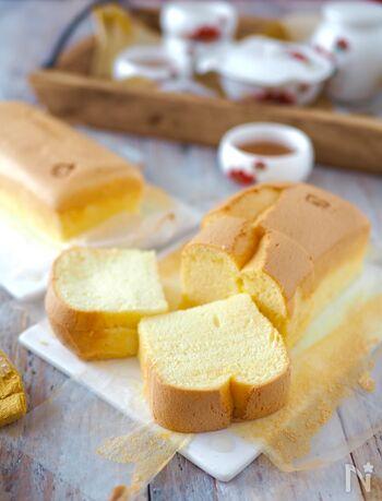 ホットケーキミックスを使った、お手軽台湾カステラです。パウンド型で焼くので焼き上がりまで短時間でできちゃいます。急な来客のおもてなしにも◎ふわふわ、しっとりとした思わず触れたくなってしまいそうな食感のカステラをぜひ堪能してみて♪