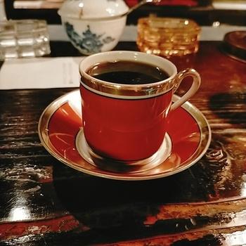 コーヒーはタンザニアやグアテマラなど産地別に8種類ほど。豆によって酸味やコクが異なるので、お店の方に好みを相談しながら選ぶのもおすすめです。