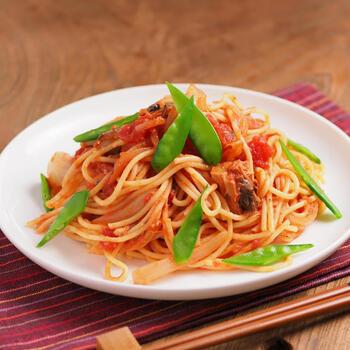 トマトは酸味と旨味の効果で魚が食べやすくなります。パスタで手軽に食べ慣れる機会を増やす他、トマト煮込み系のレシピは青魚でも食べやすいのでイタリアンやトマト味が好きな人はレパートリーに加えてみて下さい。