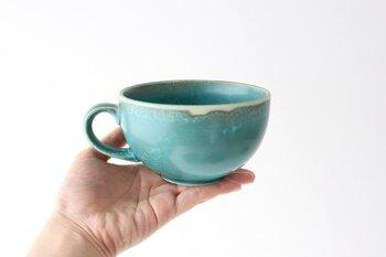 「POTPURRI」のTerreシリーズの1つであるカップ。 スープカップとしてはもちろん、たっぷり容量のマグとしても使える優れもの。 地球の色をイメージしたという鮮やかなブルーがとても美しい1品です。