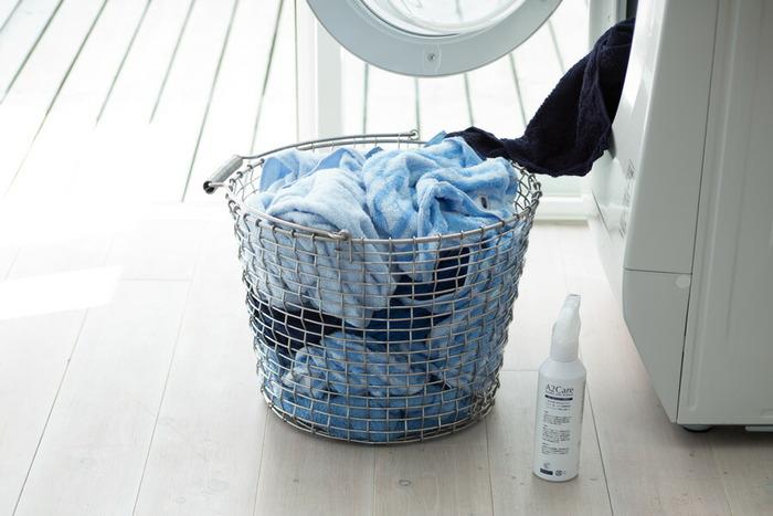 厚手の寝具などの大物は、このタイミングでしっかり洗濯。とくに傷みやすい冬物ニットは、防虫対策もしつつ丁寧に収納するのが大切です。コート類はクリーニングを上手に利用するのがよいでしょう。  晴天が続き心地よい風がふく5月は、洗濯物もフワッと乾きます。衣替えとも併せて進めることで、大変な家事もサクサクと終わらせることができますよ。