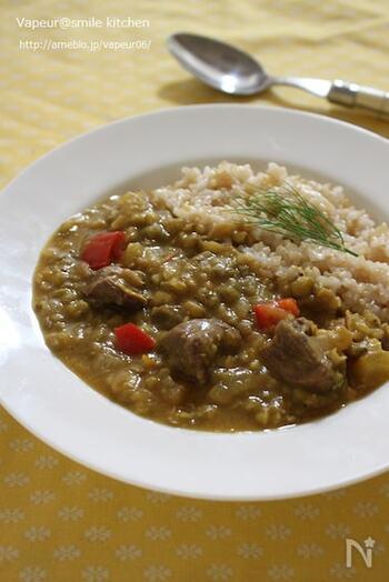 夏に食べたい牛タンと緑豆のカレー。牛タンには体の熱を取る効果があるのだそう。濃厚な味わいで、スタミナがほしいときにおすすめです。