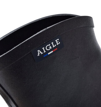 約150年前にフランスで生まれたラバーブーツの老舗ブランド「AIGLE(エーグル)」。タウンユースでも履けるおしゃれさで日本でも人気があります。