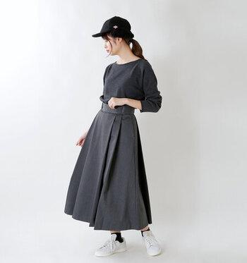 オールシーズン使える「黒キャップ」の大人の着こなし&人気ブランド