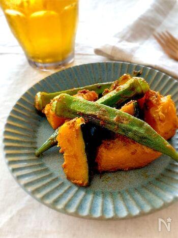 インドでは、スパイス料理と相性のいいオクラを1年中食べるとか。サブジはガラムマサラ系のスパイスを使いますが、このレシピのようにいろいろな香辛料がバランスよく配合されたカレー粉を使えば簡単ですね。