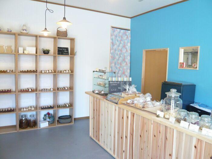「クラルテ」が店舗を構える久喜市菖蒲町は、県内有数の果物の出荷量を誇ります。地元農家の新鮮な素材を大切に瓶に閉じ込めたクラルテのジャムは、あえて超低糖度。素材をそのまま味わってもらうためのこだわりなのだとか。  県内外問わず様々なエリアのパン屋さんやカフェなどでも販売されており、そのおいしさはお墨付き。