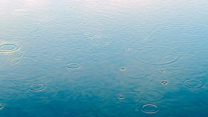 雨上がりのしずくのように。キラキラ揺らめく「アクセサリー」を身につけて