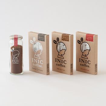 INIC coffee(イニックコーヒー)は愛知県のパウダーフーズフォレスト株式会社が展開するブランドで、さまざまなコンセプトのインスタントコーヒーを揃えています。通常よりも細かい粒子で溶けやすいのが特徴で、インスタントとは思えないようなコクのある味わいを楽しめますよ。