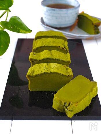 材料はたった5つ、ワンボールで混ぜるだけ!簡単に作ったとは思えない濃厚な味わいと見栄えのする仕上がりです。抹茶チョコをホワイトチョコに換えても作ることができます。