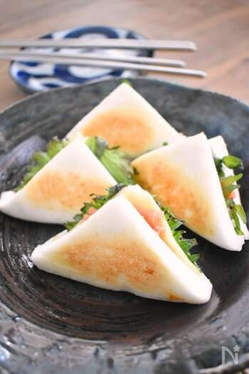ふんわり口溶けの良いはんぺんに、明太チーズがベストマッチ!フライパンで焼く時は、焦げないように要注意。おつまみはもちろん、お弁当にもおすすめです。